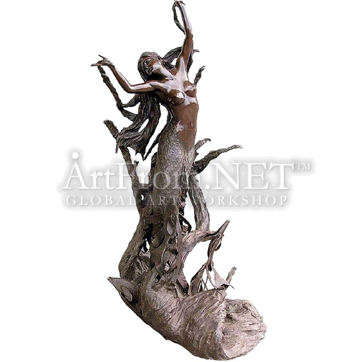Русалка в водорослях скульптуры